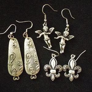 4/$25 Earrings Silver bundle of 3 Jewelry